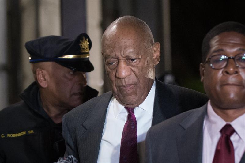 Bill Cosby é considerado culpado em julgamento de estupro