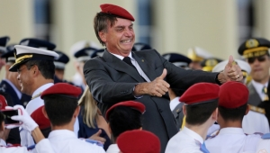 "Bolsonaro critica PGR por denúncia de racismo: ""tenho imunidade total"""