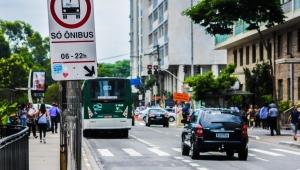 Prefeitura de SP anuncia nova redução na frota de ônibus e mantém suspensão do rodízio