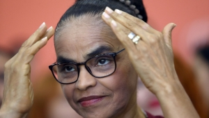 """Marina diz que Bolsonaro """"evoca o lado escuro da força"""" e se irrita sobre possibilidade de ser vice"""