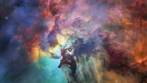 Telescópio Hubble comemora 28 anos com foto colorida da Nebulosa da Lagoa