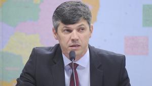 Ministro dos Transportes defende prorrogar contratos de concessão de ferrovias