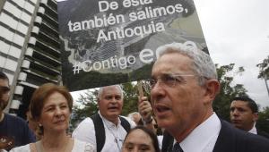 Uribe nega vínculos com narcotráfico e atribui acusação a tempos eleitorais