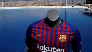 Barcelona usa Coutinho como modelo e lança nova camisa com drone