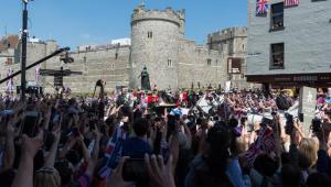 Realeza britânica agradece aos que foram a Windsor para casamento