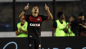 Vasco decepciona de novo, perde para Vitória e amarga 1ª derrota no Brasileiro