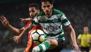 Santos negocia com meia da seleção da Costa Rica