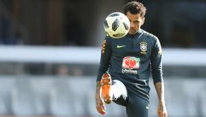 Daniel Alves é 3º jogador cortado e será substituído por Fagner na Seleção Brasileira
