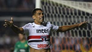 """Boa fase de Diego Souza faz São Paulo """"esquecer"""" Carneiro"""