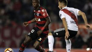 Flamengo fica no 0 a 0 com o River e avança como segundo do grupo