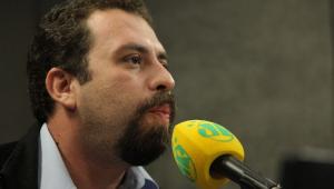 Baderna é ter o MDB chantageando e dando as cartas em todos os presidentes, diz Boulos