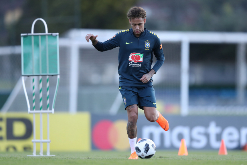 Com Neymar em campo, Seleção faz primeiro treino com bola na Granja Comary