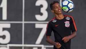 Dois corintianos e mais 3 brasileiros são alvos do Milan, diz jornal italiano