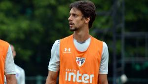 Rodrigo Caio passa por cirurgia e deve ter alta neste sábado