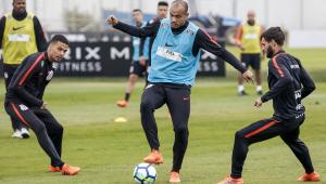 Fora do Paulistão, atacante Roger rescinde contrato com o Corinthians