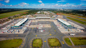 Protesto de caminhoneiros cancela voos no Aeroporto de Brasília