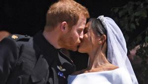 Veja o vídeo do 1º beijo de Príncipe Harry e Meghan Markle como marido e mulher