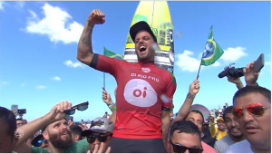 Filipe Toledo vence australiano na final e fatura etapa do Rio do surfe