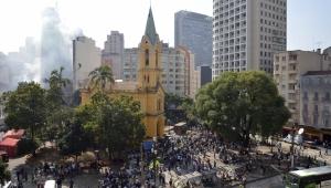 """Defensorias vão à Justiça por """"estrutura digna"""" a desabrigados do Paissandu"""