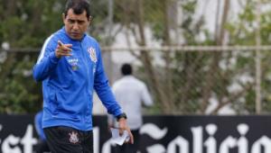 Carille vai reencontrar elenco do Corinthians com pelo menos 16 mudanças