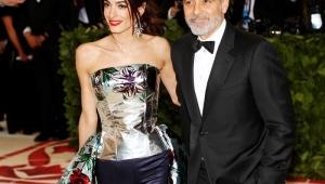 George e Amal Clooney doam US$100 mil para ajudar crianças imigrantes nos EUA
