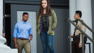 """Criador de """"13 Reasons Why"""" revela se Hannah estará em 3ª temporada"""