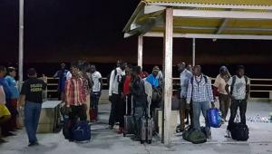 Barco com imigrantes africanos é resgatado na costa do Maranhão