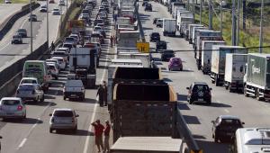 Ônibus do Rio podem parar por falta de combustível, diz federação do setor