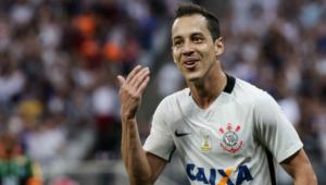Cruzeiro confirma contratações de Rodriguinho, ex-Corinthians, e Dodô, ex-Santos