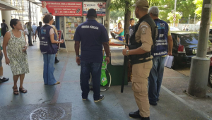 Ação em feira livre apreende mais de 4 toneladas de mercadorias no Rio