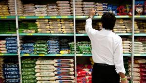 Greve afeta supermercados e ameaça produção de veículos
