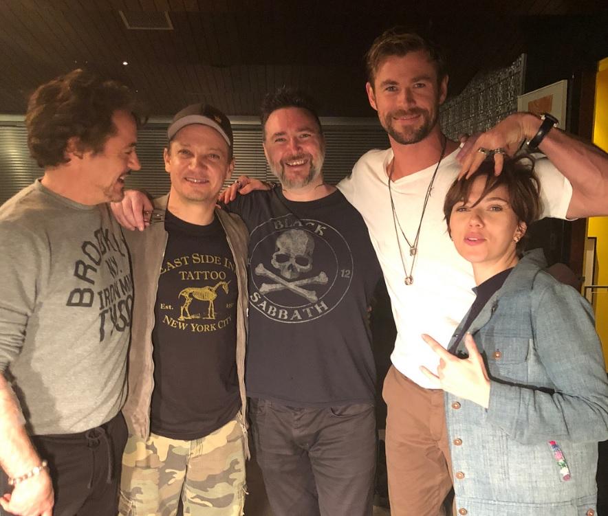 Vingadores | Robert Downey Jr. faz tatuagem em homenagem aos filmes