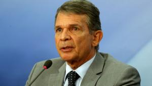 Prioridade é liberar acesso às refinarias, diz ministro