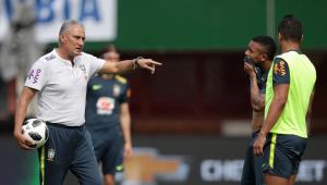 Seleção Brasileira treina sem Fred de novo e deve estrear com time que venceu a Áustria