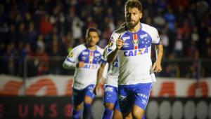 Cruzeiro empata com Paraná e segue fora da zona de classificação da Libertadores