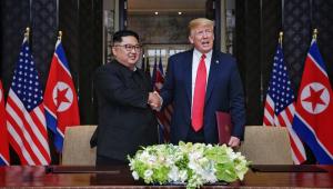 Kim e Trump assinam acordo