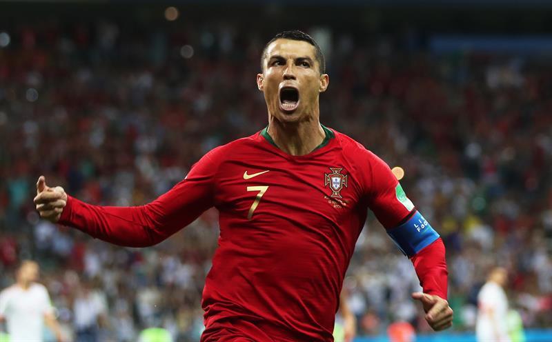 Cristiano Ronaldo faz gol em 4ª Copa e iguala marca de Pelé  3336102d85254