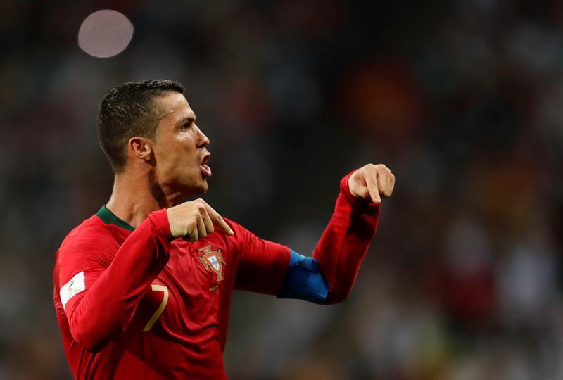 ... Cristiano Ronaldo chamou a responsabilidade e salvou Portugal diante da  Espanha 12ff1b39d1d61