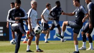 França mira vitória contra o Peru para encaminhar vaga para as oitavas