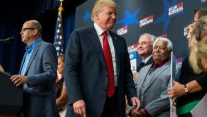 Queremos fronteira forte, com imigrantes vindo de maneira apropriada, diz Trump