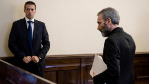 Vaticano: Tribunal condena ex-diplomata por distribuir pornografia infantil