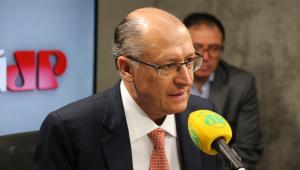Eu acho um horror, não vamos resolver problemas à bala, diz Alckmin sobre candidatura de Bolsonaro
