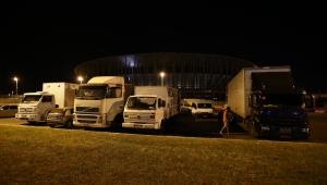 Caminhoneiros protestam na entrada do Porto de Santos