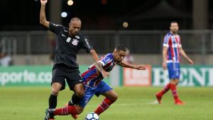 Corinthians sofre gol no fim, cai para o Bahia e pressão sobre Osmar Loss aumenta