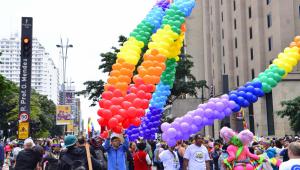 Fefito traz o esquenta da Parada LGBT