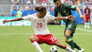 """Dinamarquês tem 2 pênaltis marcados por vídeo e dispara: """"estou odiando o VAR"""""""