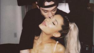 Ariana Grande altera tatuagem em homenagem ao ex-noivo