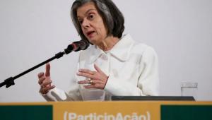 """Cármen Lúcia critica """"demonização"""" da política e excesso de siglas partidárias"""
