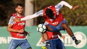 Visando clássico contra o Santos, Palmeiras faz treino de bola parada