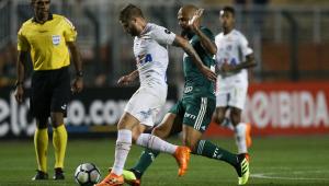 Após viagens, Palmeiras e Santos não aproveitaram pausa para Copa e mostraram velhos problemas